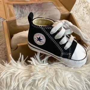 Converse- Chuck Taylor - Hi Top Infant Sneakers 1C